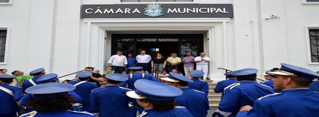 Imagem de capa da notícia: Câmara Municipal recebe a Banda Batuque Legal da APAE